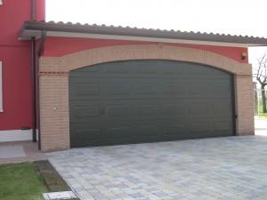 Porta basculante per garage duezeta infissi for Finestra basculante
